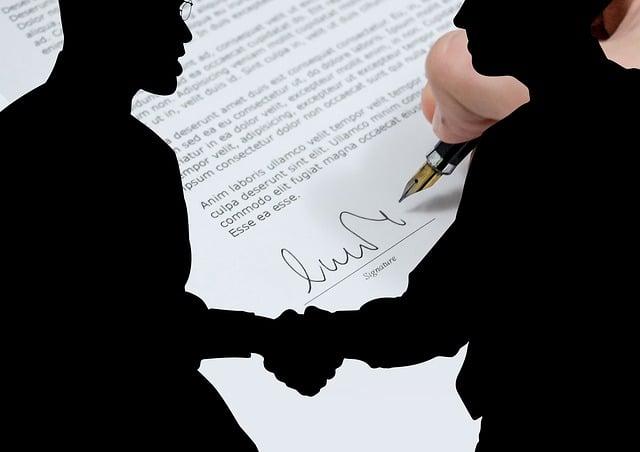 AGB und Verträge vom Rechtsanwalt prüfen lassen
